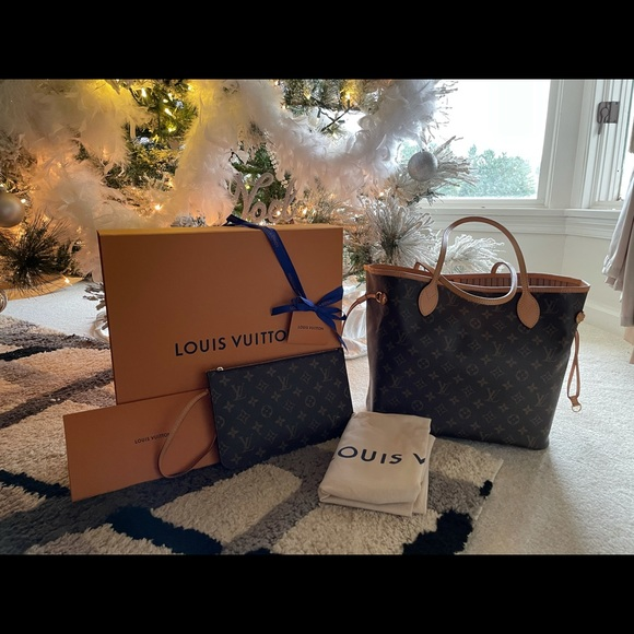 Louis Vuitton MM monogram never full